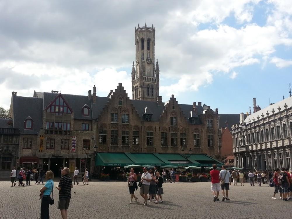 Day trip to Bruges square market